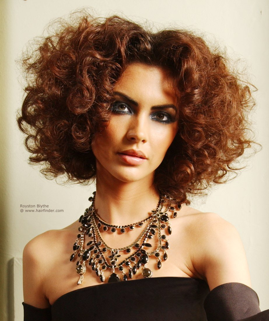 The Best Medium Length Hairstyle With Curls For Auburn Brunette Hair Pictures