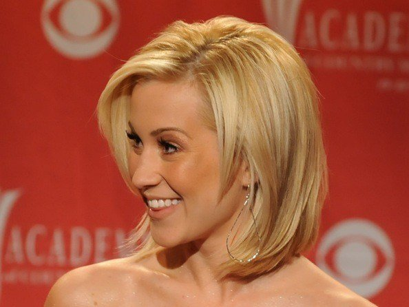The Best Kelli Pickler S Layered Medium Length Bob Medium Pictures