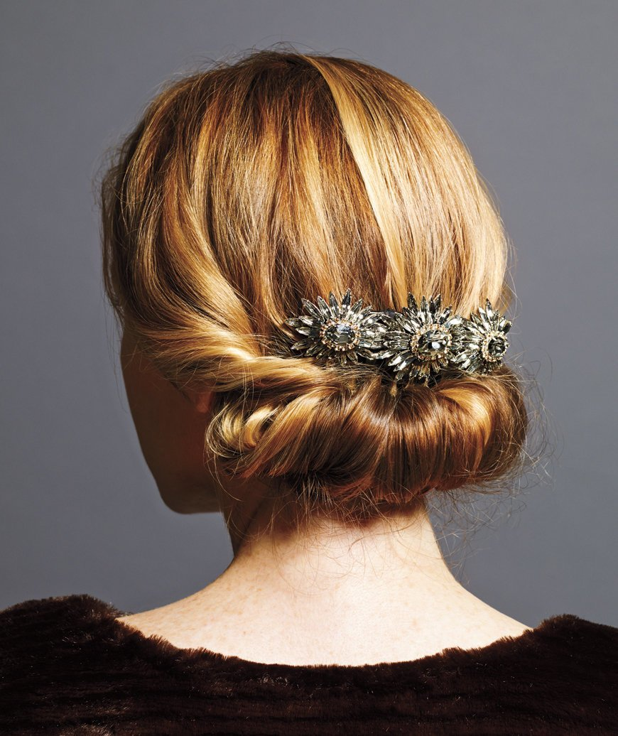 The Best Holiday Hairstyles That Are Downright Stunning—And Pictures