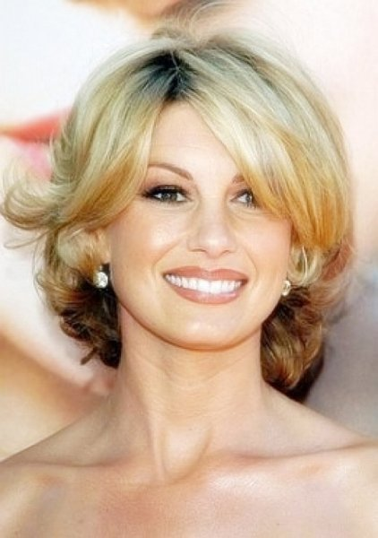 The Best Cute Short Hairstyles For Women Over 40 With Side Bangs Pictures