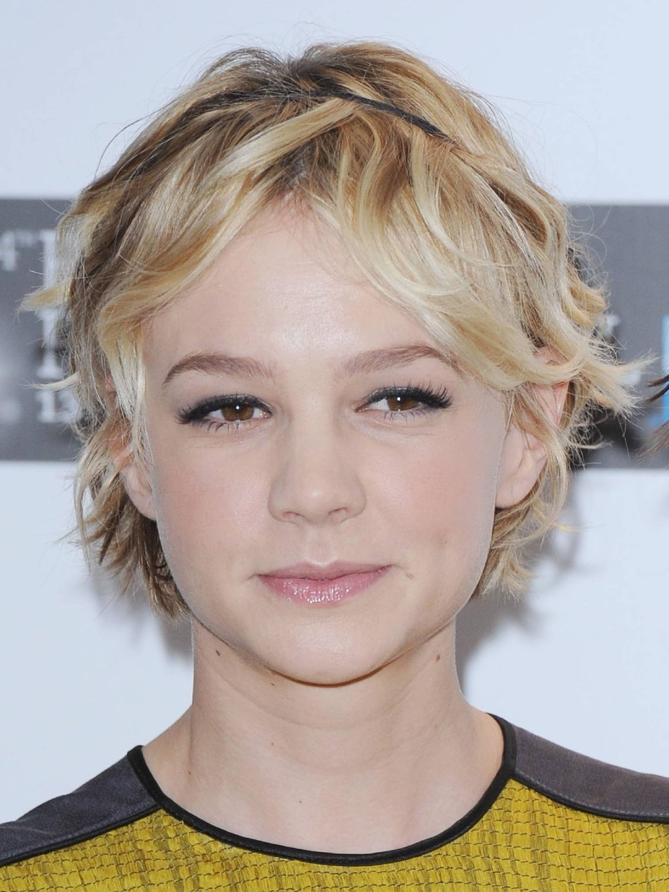 The Best 2011 Hairstyles Pictures Carey Mulligan Hairstyle Pictures