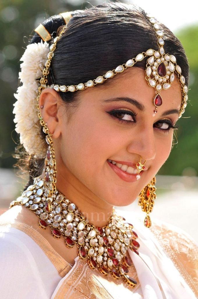 The Best Simple Trending South Indian Bride Hairstyle To Try On Pictures