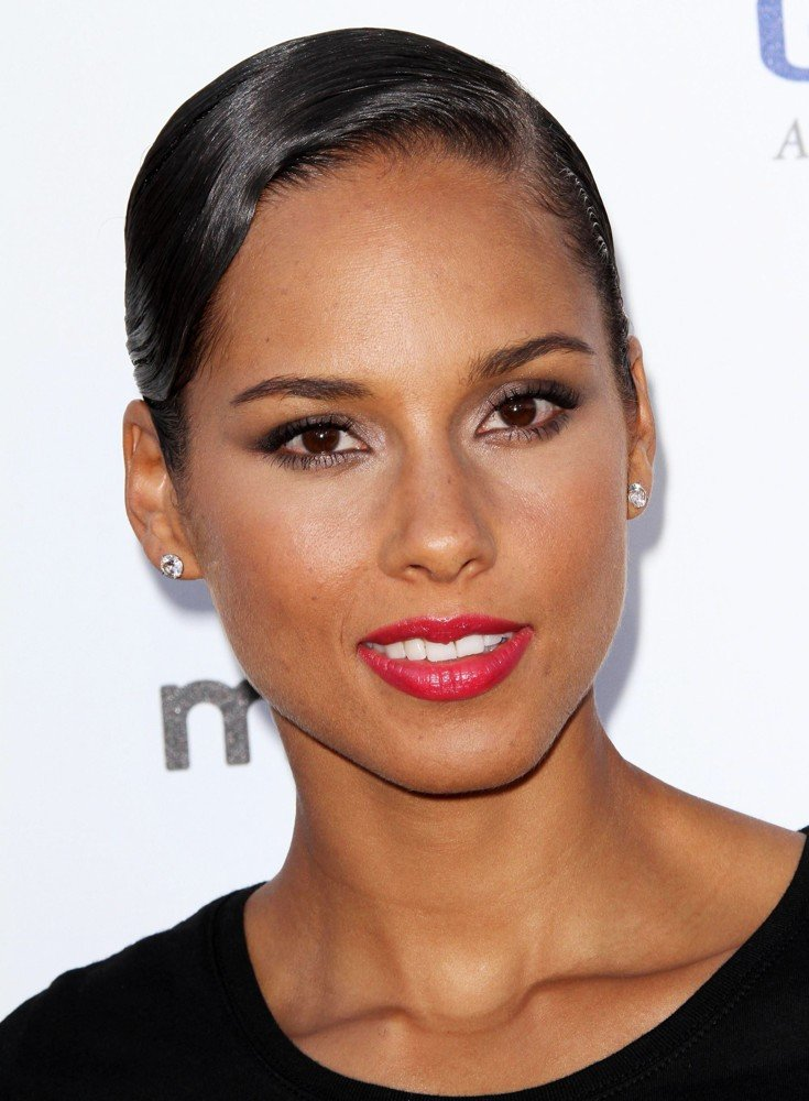 The Best Alicia Keys Hairstyles Women Hairstyles Women Hair Pictures