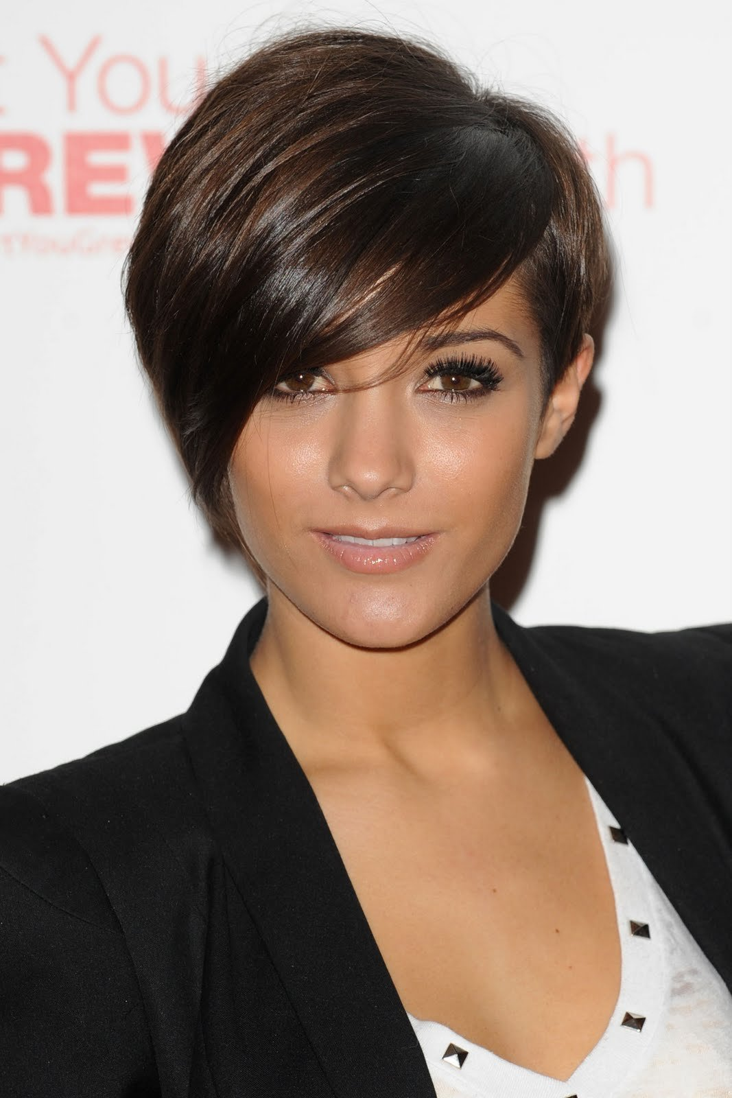 The Best Frankie Sandford Celebrity Short Hairstyles Pictures