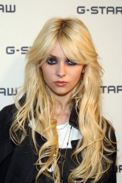 The Best Some Pictures Of Taylor Momsen Different Hairstyles Pictures