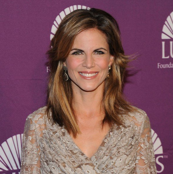 The Best Natalie Morales Layered Cut Natalie Morales Looks Stylebistro Pictures