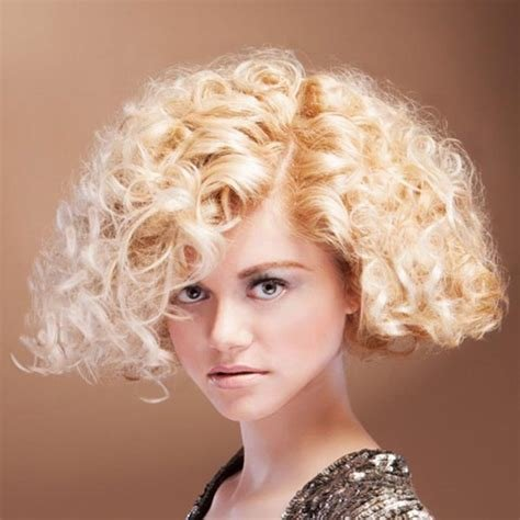 The Best Women S Short Curly Haircuts Which Can Inspire You Pictures