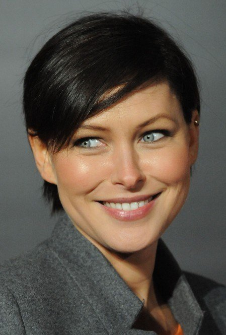 The Best Emma Willis Short Haircut S*Xy Boyish Hairstyle With Side Pictures