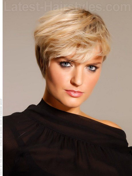 The Best Short Modern Hairstyles For Older Women Pictures