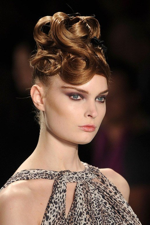 The Best Curly Hairstyle Trends For Fall Winter 2011 2012 Pictures