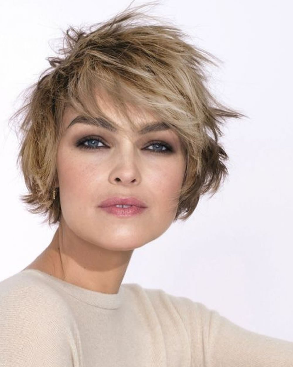 The Best Hey Ladies Best 13 Short Haircuts For Round Faces Pictures