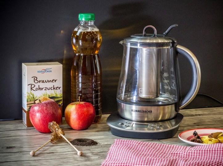 Apfelpunsch im elektrischen Teekocher von Rommelsbacher