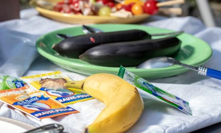 schwarze Grillbananen und Brausepulver - Nachtisch vom Rommelsbacher Grill