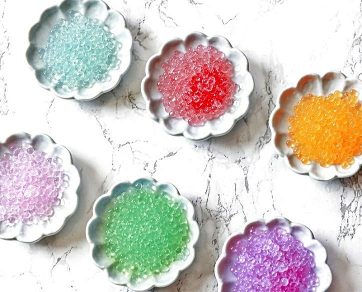 bunte Geleeperlen aus der Molekularkueche - hergestellt im Food Designer Perlino