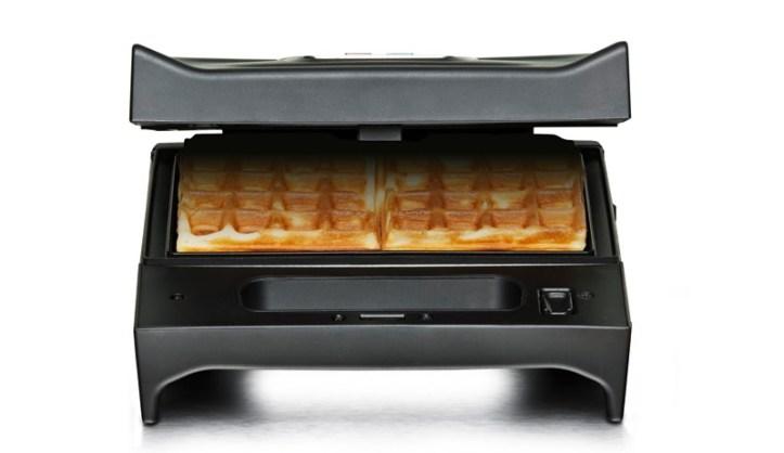 SWG 700 Multi Toast und Grill - zum Backen von Kräuterwaffeln mit Lachs und Gemüsequark
