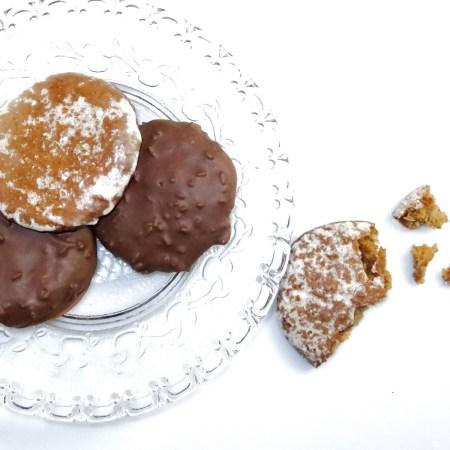 Fränkische Lebkuchen auf dem Teller - Rezept von Rommelsbacher