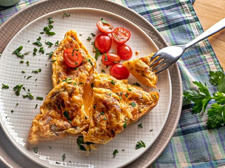 Omelett mit Tomaten - gebacken im Omelett Maker Oskar - Beitrag dreierlei Omeletts