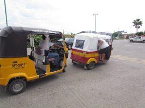 Crece inconformidad por paraderos de moto taxis en Juchitán. (3)