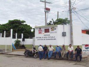 Rehabilitan pozo numero 4 en Juchitán.2