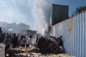 Se incendian contenedores de Bodega Aurerra en Juchitán.3