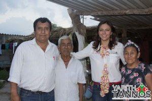 Acompañada de su coordinador de campaña, Yarith Tannos y Carlos Gómez se comprometieron con los habitantes a conseguir el triunfo el próximo 7 de junio