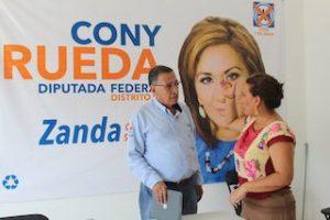 Cony y presidente PAN