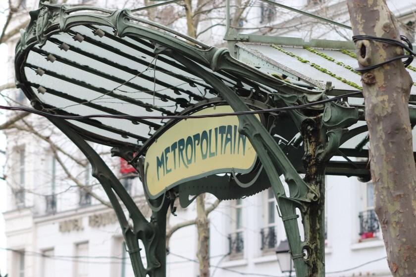 met de metro in Parijs