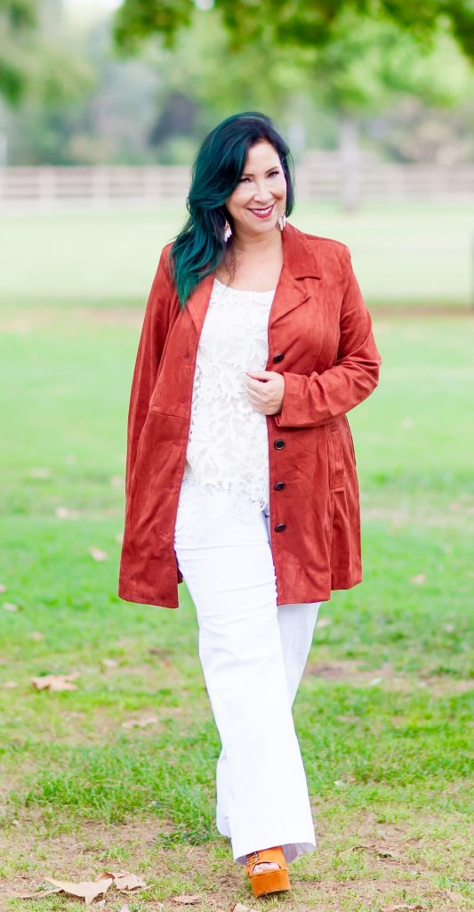 Fall is in the air and it's time to cozy up your wardrobe with Cabi's Penny Lane Lovely Collection. The pieces are chic, fashionable & perfect for the cooler weather