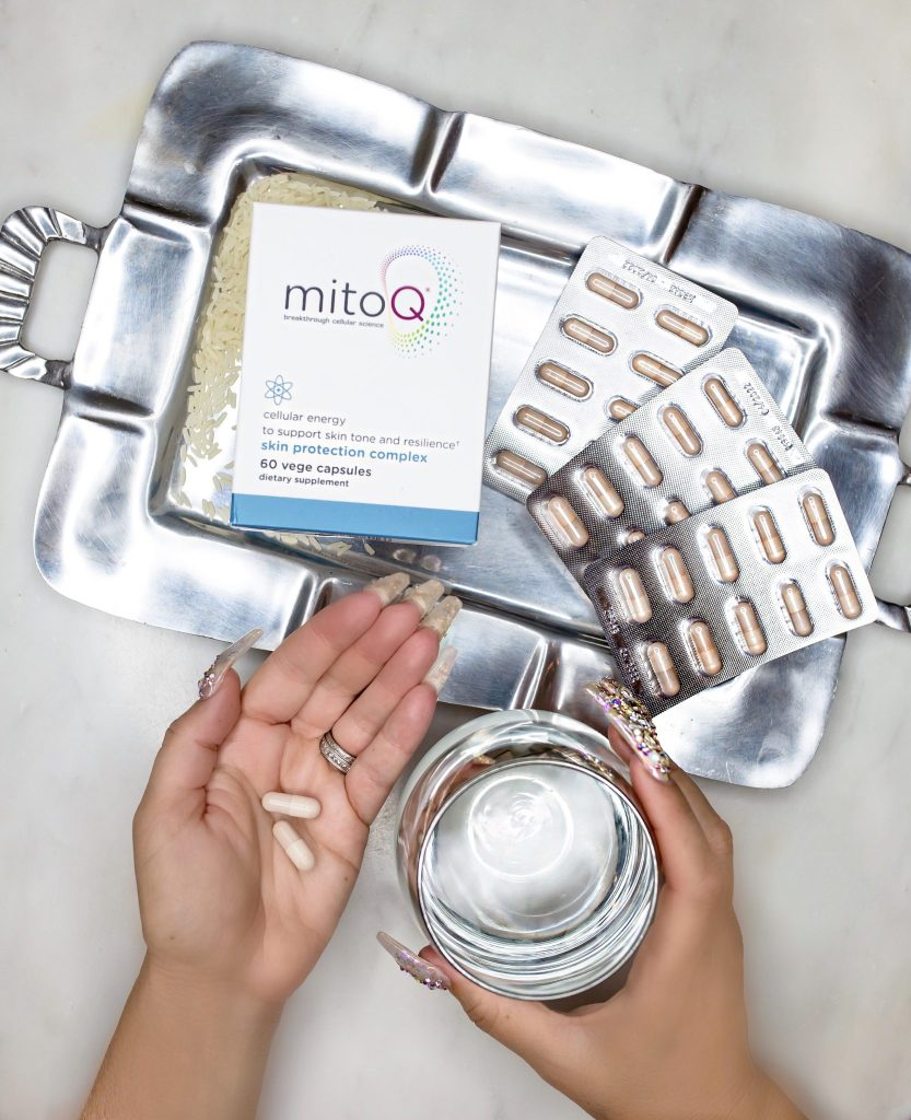 MitoQ Skin Protection Complex is an innovative antioxidant that helps fight off free radicals and gives you more youthful skin from the inside out
