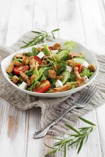 Fűszeres görög csirke saláta