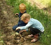 szabad játék a gyerekeknek