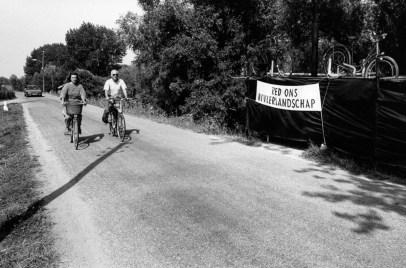 Protest tegen de dijkverzwaring jaren 1990.