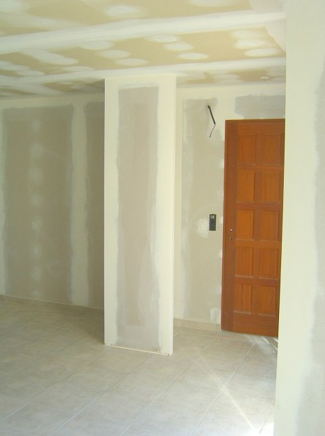 Photo de chantier : placard près de l'entrée