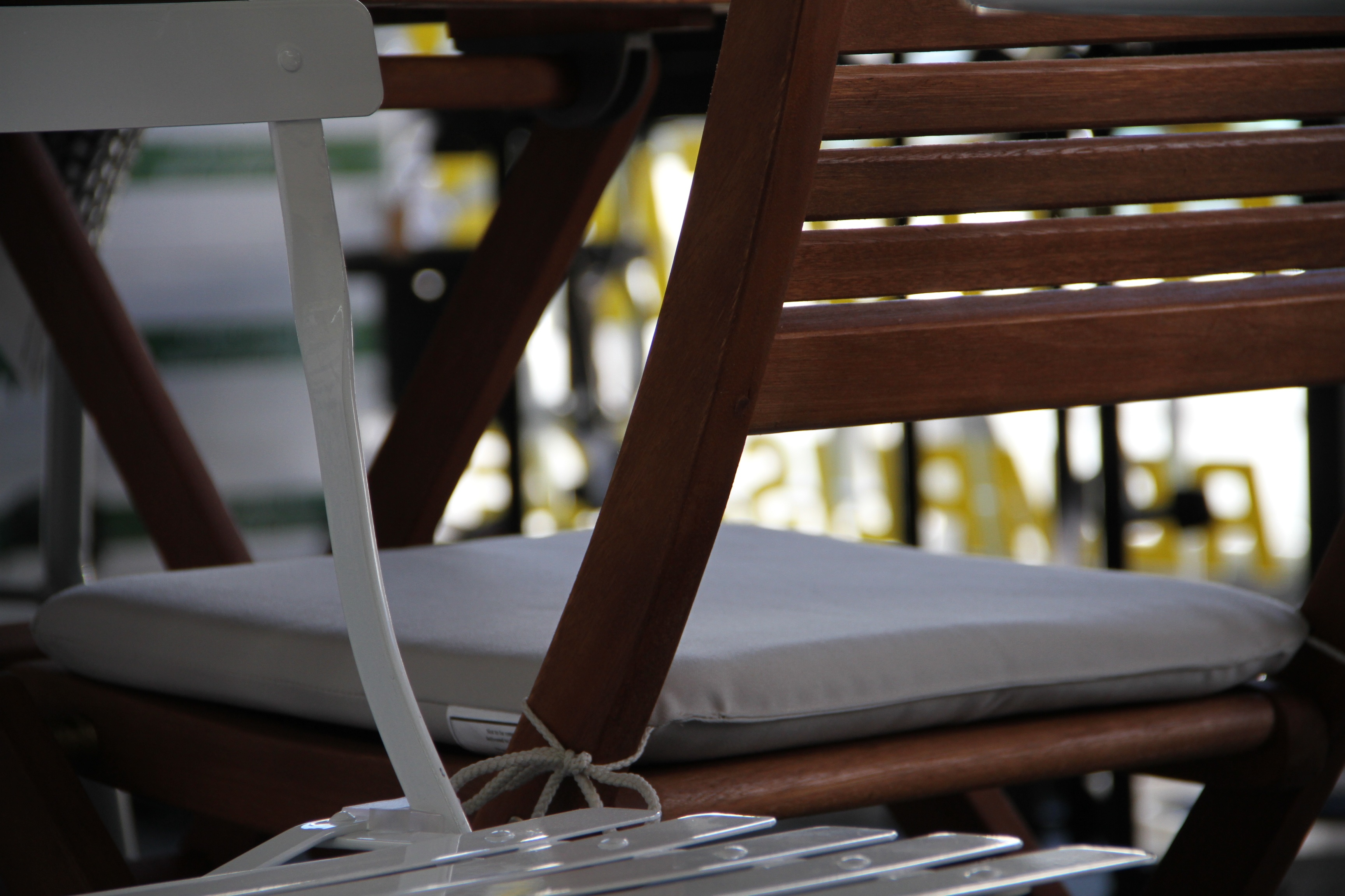 hanging chair rona lazy boy leather ronaplateaumontroyal
