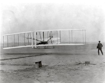 754px-The_Wright_Brothers_First_Heavier-than-air_Flight_-_GPN-2002-000128-1494867208