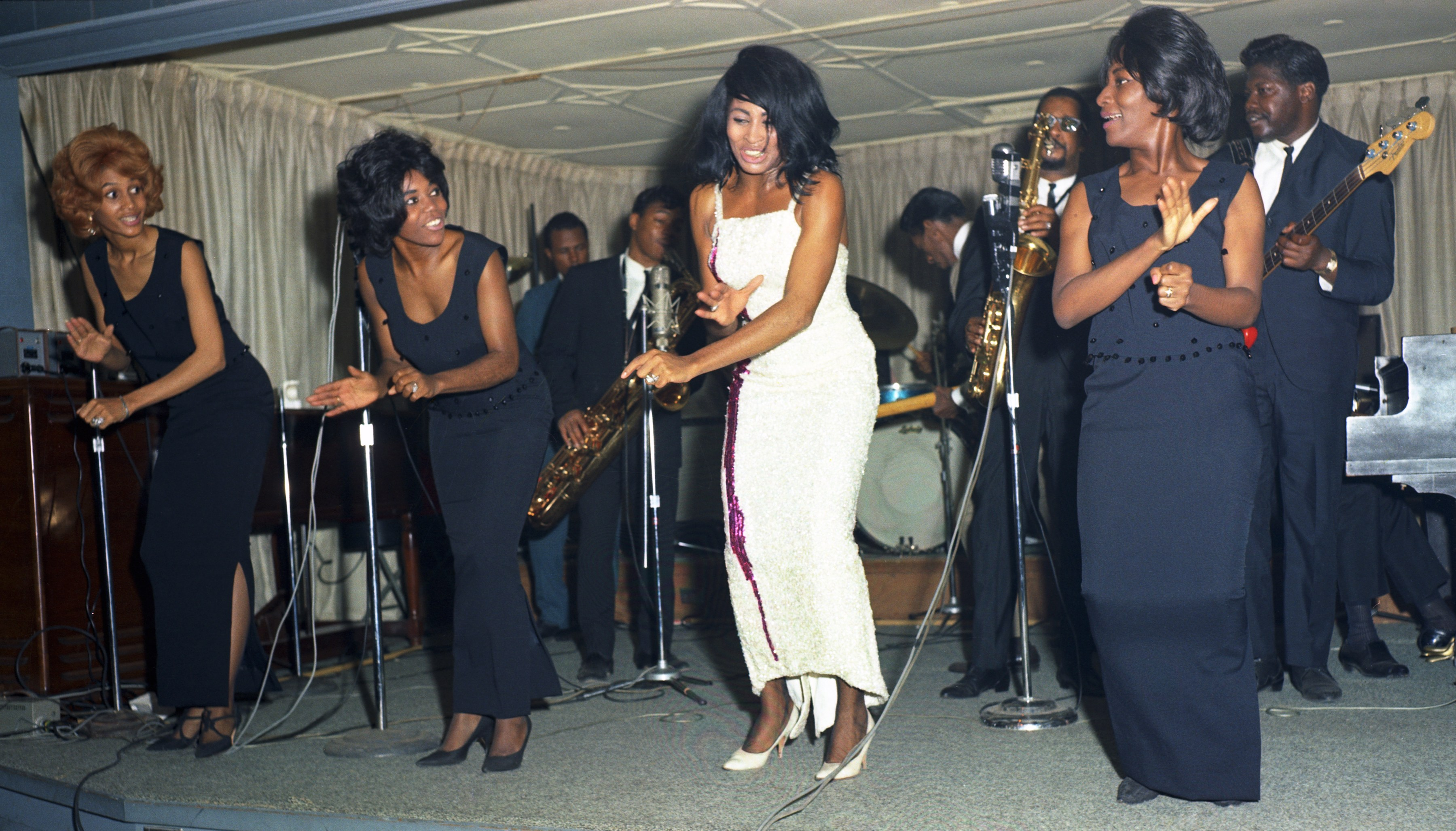 Ike & Tina Turner Revue Perform