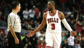 Bulls bounce back with hustling win against Pacers