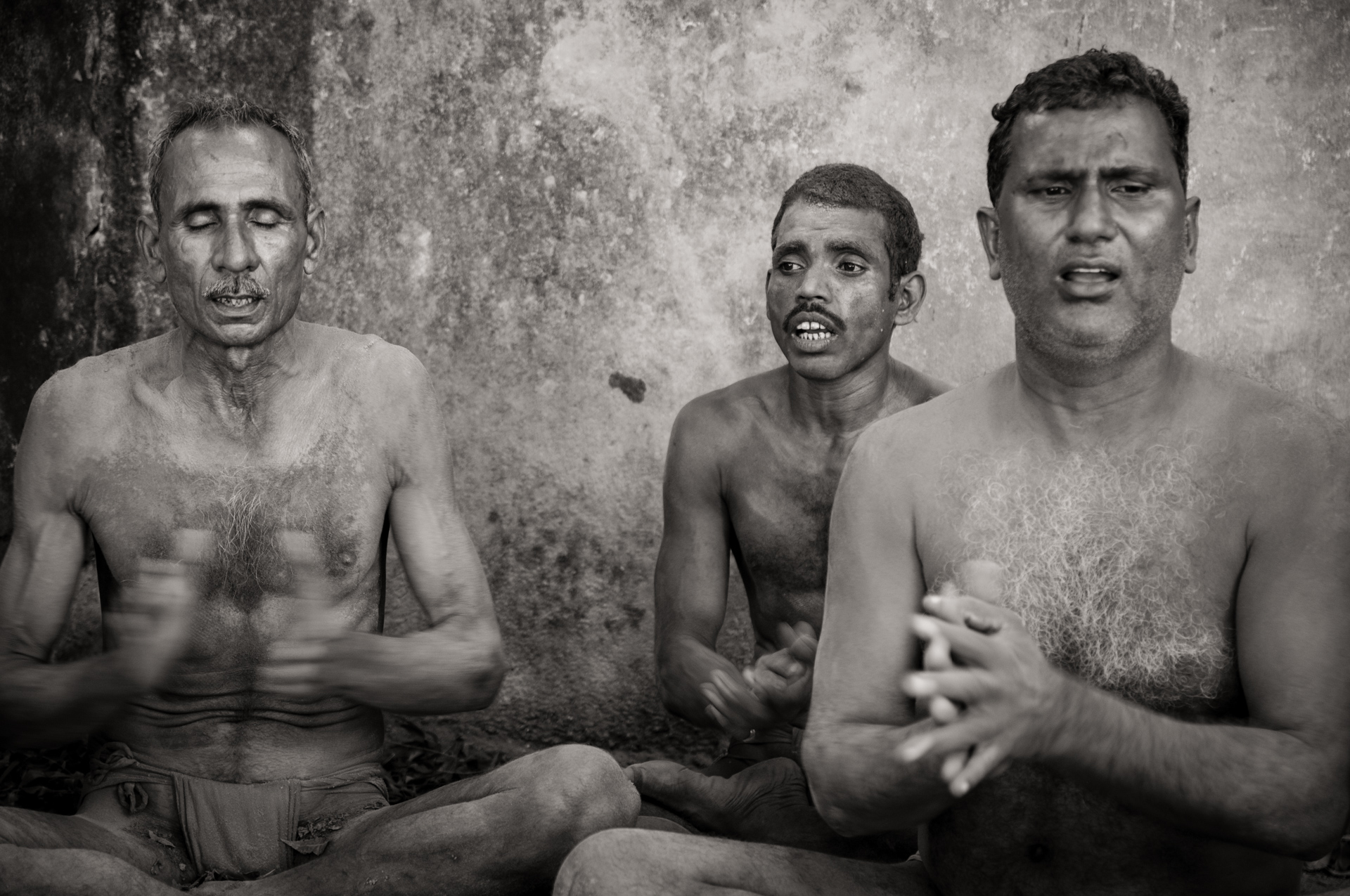 Traditional Kusti Wrestlers chant their prayers - Kolkata, India