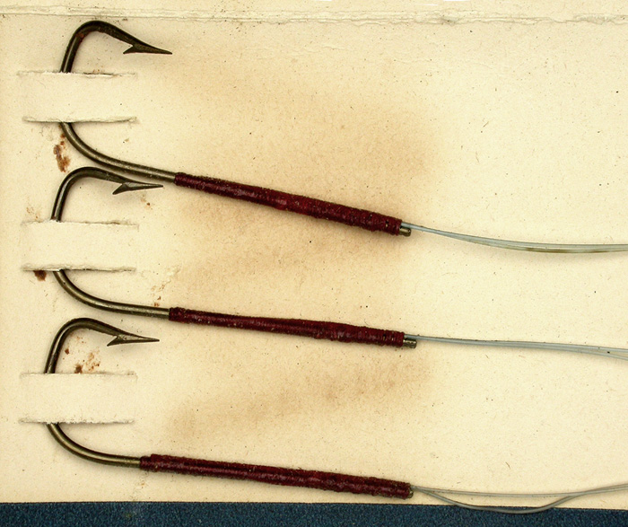 30b  Gillen's Sure Catch, Extra Quality snelled hooks, sneck, 3.0, double gut, bronzed.