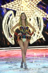 MarthaHunt_VSFashionShow_gettyimages