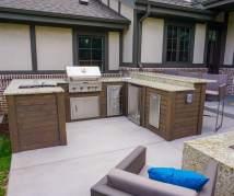 Patio Outdoor Kitchen & Fire Pit - Denver Roof Decks