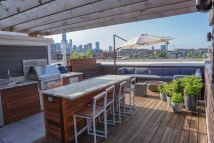 Rooftop Deck With Wet Bar - Chicago Roof Decks Pergolas