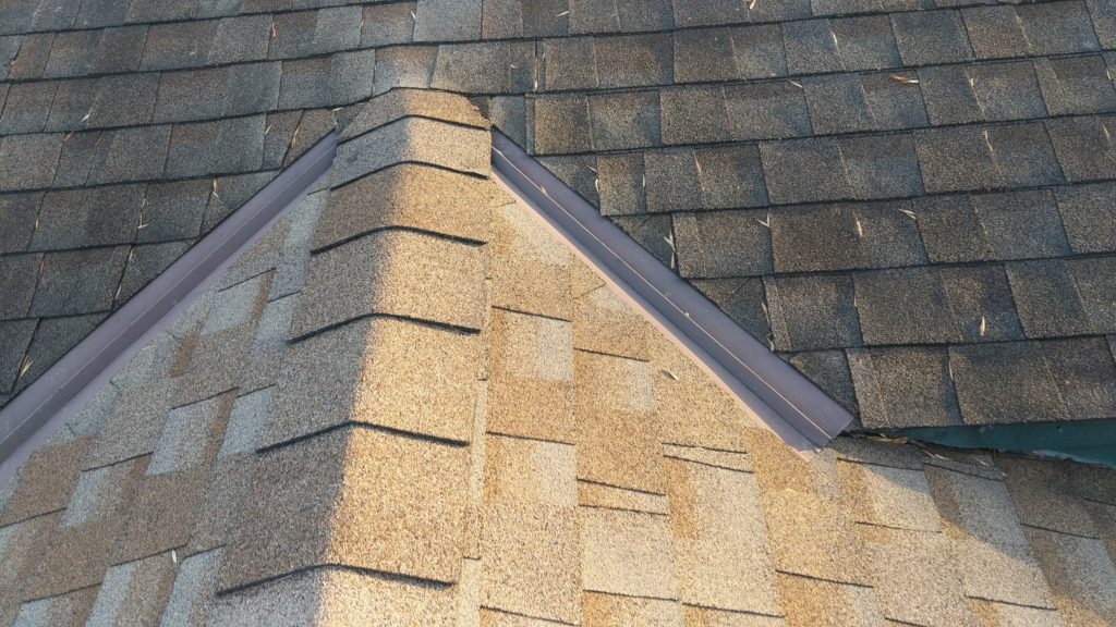 What are the different types of roofing Material?