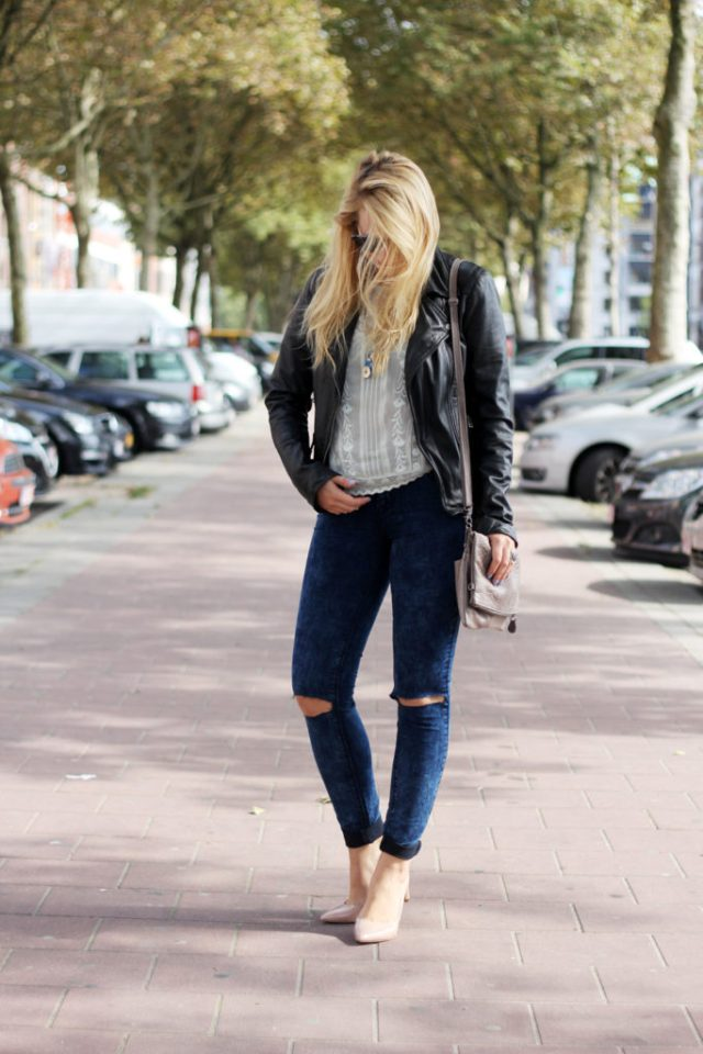 Perfect_leather_jacket_goosecraft_ripped_denim_lace_top_seethrough_outfit_blogger1