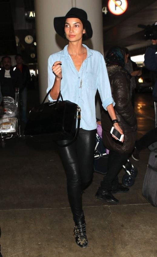 airport_outfit_style_travel_lily_aldridge