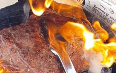 Kalfspicanha, reverse sear. En dan op het eind die vetlaag afvlammen. Fabelhaft