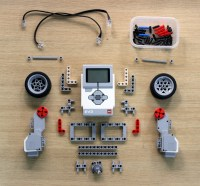 LEGO Mindstorms EV3 Model Robot Design