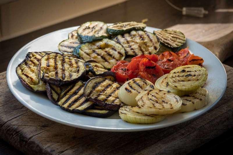 Recept | Lamsburger met gegrilde groenten | Grillen van de groenten | Rookplankje.nl