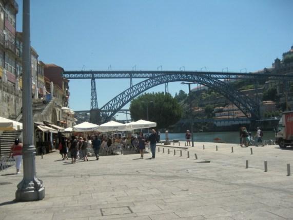 Die Brücke Ponte Dom Luis I. Brücke in Porto