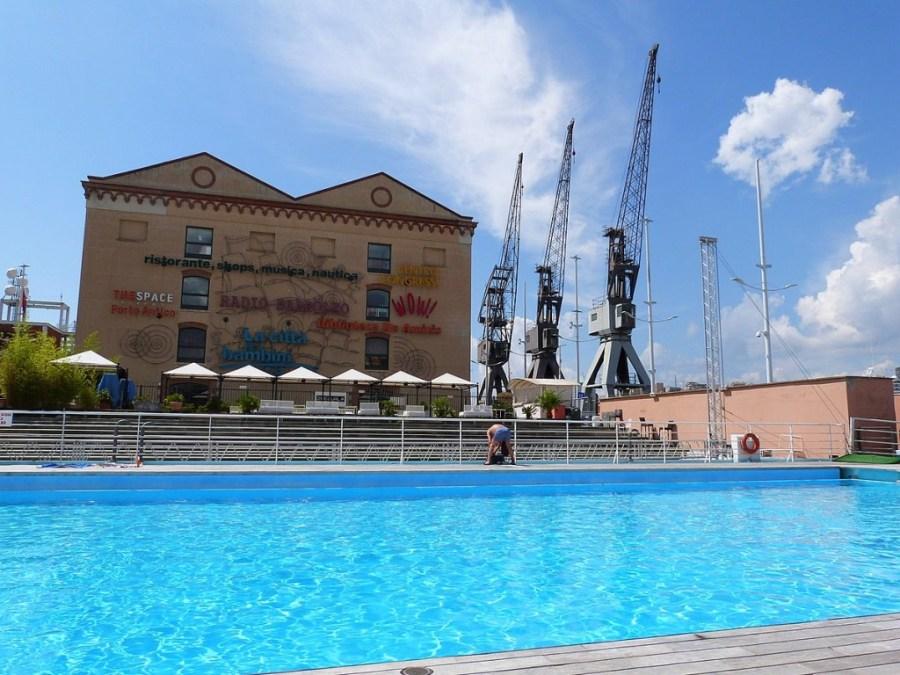 Sehensw rdigkeiten in genua die alte stadt und das meer for Schwimmbad billig